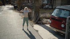 Голая Эмили Бергл в сериале «Бесстыдники» фото #1