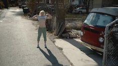 Голая Эмили Бергл в сериале «Бесстыдники» фото #2
