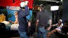 Голая Эмили Эддисон в фильме «Секс-пленка со знаменитостями» фото #18