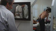 Голая Эмманюэль Сенье в фильме «Неукротимый» фото #2