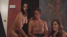 Голая Энджел Борис в сериале «Спокойная жизнь» фото #6