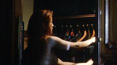 Голая Энджи Эверхарт в фильме «Любовь в Париже» фото #2