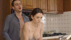 Голая Эшлинн Йенни в сериале «Подчинение» фото #22