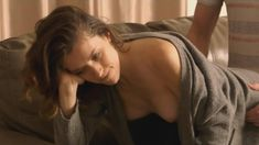 Голая Эшлинн Йенни в сериале «Подчинение» фото #24