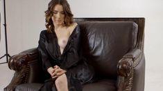 Голая Эшлинн Йенни в сериале «Подчинение» фото #37