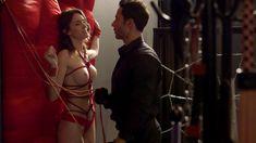 Голая Эшлинн Йенни в сериале «Подчинение» фото #49
