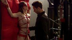 Голая Эшлинн Йенни в сериале «Подчинение» фото #51