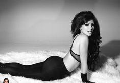 Ким Кардашьян в эротической фотосессии для календаря фото #2