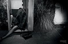 Полностью голая Ким Кардашьян в журнале Love фото #13