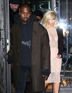 Голые соски Ким Кардашьян возле отеля в Париже фото #1