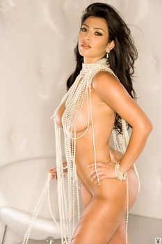 Абсолютно голая Ким Кардашьян в журнале Playboy фото #4