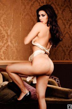 Абсолютно голая Ким Кардашьян в журнале Playboy фото #6
