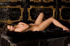 Абсолютно голая Ким Кардашьян в журнале Playboy фото #13