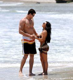 Красотка Ким Кардашьян отдыхает на пляже Пуэрто-Вальярта фото #6