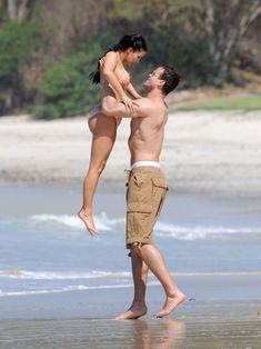 Красотка Ким Кардашьян отдыхает на пляже Пуэрто-Вальярта фото #10