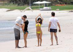 Красотка Ким Кардашьян отдыхает на пляже Пуэрто-Вальярта фото #29