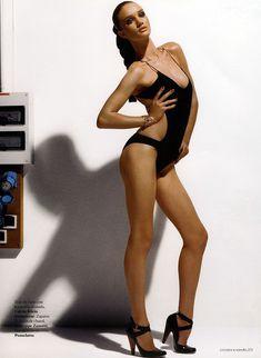 Голая грудь Роузи Хантингтон-Уайтли в журнале Citizen K фото #2