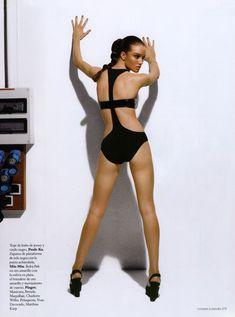 Голая грудь Роузи Хантингтон-Уайтли в журнале Citizen K фото #5