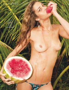Роузи Хантингтон-Уайтли топлес в журнале GQ фото #3