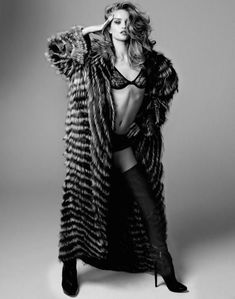 Сексуальная Роузи Хантингтон-Уайтли разделась для журнала  DT фото #8