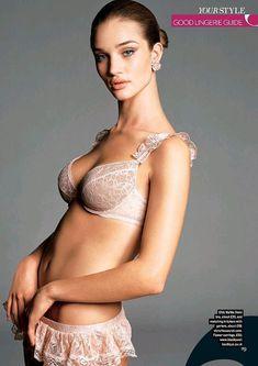 Эротичная Роузи Хантингтон-Уайтли в белье для журнала Sunday Times Style фото #3