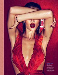 Страстная Роузи Хантингтон-Уайтли в журнале GQ фото #3