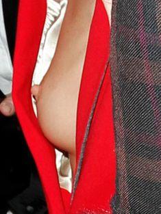 Случайный засвет Роузи Хантингтон-Уайтли на премии British Fashion Awards фото #13
