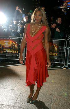 Голые соски Серены Уильямс на премьере фильма «После заката» фото #2