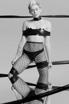 Развратная Майли Сайрус в клипе Tongue Tied фото #3