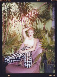Майли Сайрус в фотосессии для альбома Bangerz фото #37