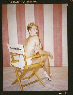 Майли Сайрус в фотосессии для альбома Bangerz фото #42