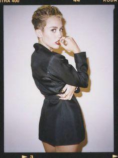 Майли Сайрус в фотосессии для альбома Bangerz фото #55