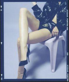 Майли Сайрус в фотосессии для альбома Bangerz фото #80