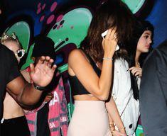 Майли Сайрус пришла топлесс на вечеринку дизайнера одежды Александра Вана фото #22