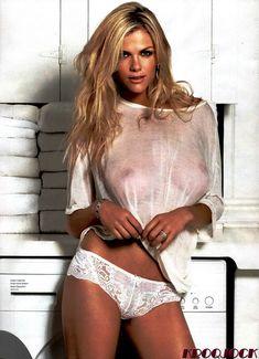 Бруклин Деккер в прозрачной футболке для Журнала Esquire фото #2