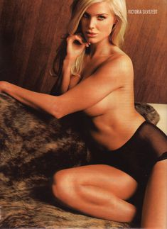 Красотка Виктория Сильвстедт обнажилась для журнал Maxim фото #5