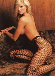 Красотка Виктория Сильвстедт обнажилась для журнал Maxim фото #7