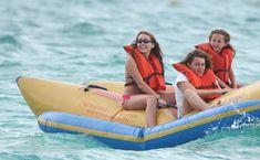 Привлекательная Майли Сайрус в бикини на Багамских островах фото #31