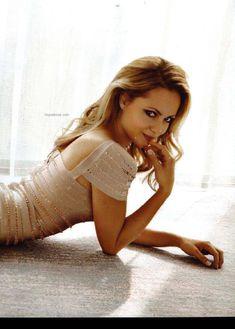 Сексуальная Беатрис Розен с открытым декольте в журнале FHM фото #3