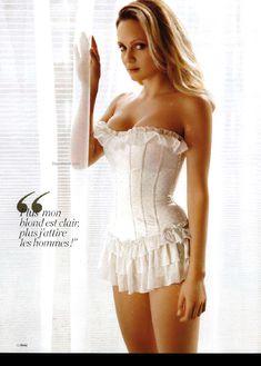 Сексуальная Беатрис Розен с открытым декольте в журнале FHM фото #4