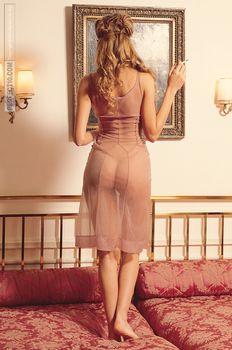 Красивая Изабель Фунаро оголила грудь и попу в журнале Perfect фото #5