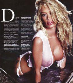 Голая грудь Дженны Джеймсон  в журнале FHM фото #2