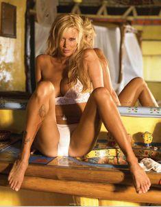 Снимки с голой Дженной Джеймсон  в журнале Playboy фото #9