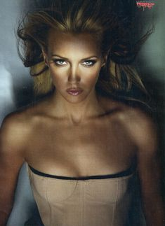 Эротичная Кэти Кэссиди в сексуальном образе для журнала FHM фото #3