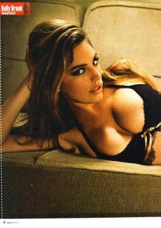 Келли Брук в прозрачном лифчике для журнала M! фото #1