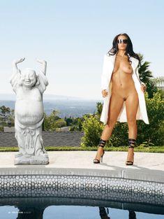 Абсолютно голое тело Кристы Эйн  в журнале Penthouse фото #1