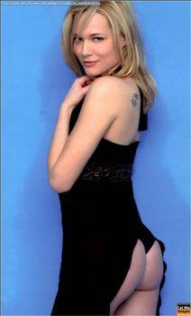 Красотка Лаура Кьятти засветила грудь в журнале FOX фото #1