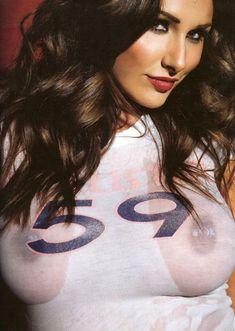 Огромные сиськи Люси Пиндер  в журнале Nuts фото #4