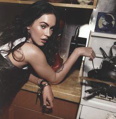 Возбуждающая Меган Фокс  в журнале Rolling Stone фото #6