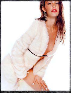 Саммер Элтис с голой грудью позирует для журнала GQ фото #4
